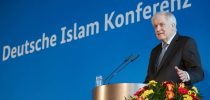 epa07194539 Minister of Interior, Construction and Homeland Horst Seehofer delivers a speech during the the 4th German Islam Conference in Berlin, Germany, 28 November 2018. Since 2006, the German Islam Conference (DIK) has been the federal government's central forum for state-wide dialogue with Muslims in Germany.  EPA-EFE/HAYOUNG JEON